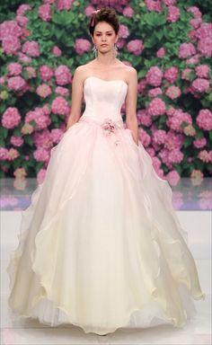 Abiti sposa 2013 di Atelier Aimee