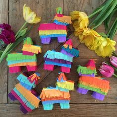 Place cards mini piñatas  info: admaracas@yahoo.com    #placecards #cincodemayo #piñatas #maracasartanddesign #weddingfavors