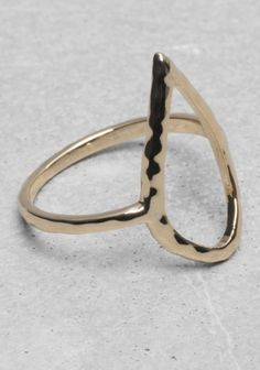 & OTHER STORIES Delicate and thin, this ring has a cut-out shape of a drop.