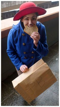 The very perfect way to pull off a Paddington costume! | Paddington