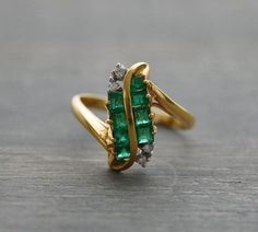 18k Yellow Gold S Shaped Emerald Diamond Ring - Vintage 1980s  by MintAndMade