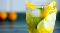 Herbed Lemonade - by Vegan Mother Hubbard Herb Recipes, Great Recipes, Vegan Recipes, Healthy Fruits, Healthy Drinks, Basil Lemonade, Mint Lemonade, Grilled Veggies, Salad Sandwich