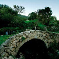 Baños de Montemayor (Extremadura). Puente del Cubo:Roman origen bridge