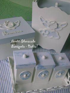 Kit Higiene Anjo    R$165,00 lixeira                   R$120,00 caixa remedios     R$85,00 Porta fralda         R$85,00 tambem vendemos as peças separadamente ****não enho mais deste tecido estampado em azul que esta nas tampinhas.