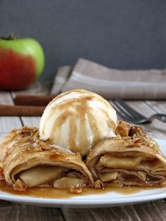 Apple Enchilada Dessert With Sugar Syrup | YummyAddiction.com