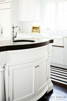 Award-winning kitchen designer, Heidi Piron, creates hand-crafted kitchens and customized spaces - from traditional and transitional to contemporary and modern.