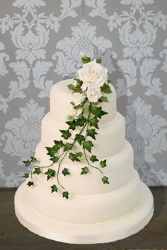 The Cake Store - Trailing Ivy, £420.00 (http://www.thecakestore.co.uk/trailing-ivy/)