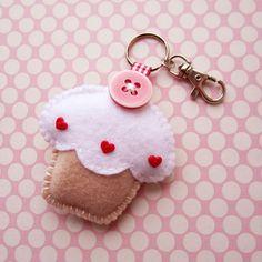Cupcake feutre à la main porte-clé breloque - vanille