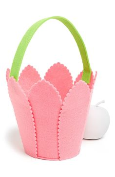 Mud Pie 'Tulip' Felt Easter Basket available at Foam Crafts, Crafts To Make, Crafts For Kids, Spring Crafts, Holiday Crafts, Mud Pie, Felt Toys, Felt Ornaments, Felt Flowers