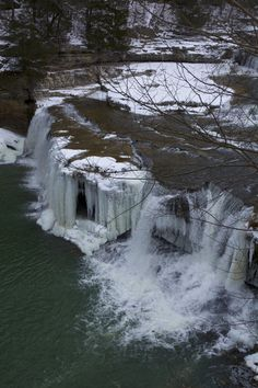 5 Waterfalls in Indiana that most people don't know about. Clifty Falls and McCormick's Creek are both on here!