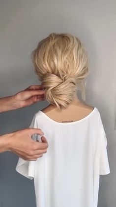 Work Hairstyles, Easy Hairstyles For Long Hair, Pretty Hairstyles, Shoulder Length Hairstyles, Long Hair Dos, Easy Hair Up, Hair And Makeup Tips, Hair Makeup, Medium Hair Styles