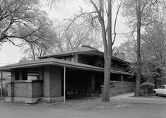 The Darwin D. Martin House was designed by Frank Lloyd Wright & built between 1903 & 1905. Located in Buffalo, New York, it is considered to be one of the most important projects from Wright's Prairie School era, & ranks along with The Guggenheim in New York City &  Fallingwater in Pennsylvania among his greatest works.