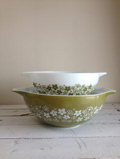 Vintage pyrex spring blossom green and white bowls Crazy daisy pyrex nesting bowls by MellaFina. $23.00, via Etsy.