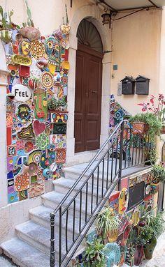Mosaic Artwork, Mosaic Wall, Mosaic Glass, Mosaic Tiles, Stained Glass, Mosaic Art Projects, Mosaic Crafts, Mosaic Garden Art, Mosaic Madness