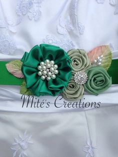 Emerald Green Wedding Sash/ Wedding by MitesCreations on Etsy Fabric Ribbon, Fabric Flowers, Diy Flowers, Wedding Belts, Wedding Sash, Emerald Green Weddings, Bridal Sash Belt, Ribbon Work, Diy Hair Accessories