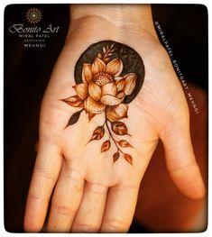 Pretty Henna Designs, Modern Henna Designs, Floral Henna Designs, Finger Henna Designs, Stylish Mehndi Designs, Henna Art Designs, Mehndi Designs For Girls, Mehndi Designs For Beginners, Wedding Mehndi Designs