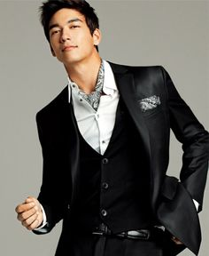 Dennis Oh - never seen him in anything but my, he is fine.Dennis Oh - never seen him in anything but my, he is fine. Sharp Dressed Man, Well Dressed Men, Korean Men, Asian Men, Black Dandy, Dennis Oh, Fashion Moda, Mens Fashion, My Prince Charming