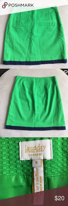 Laundry Green Skirt In excellent condition! Zips on the side and the skirt is lined. Laundry by Shelli Segal Skirts Mini