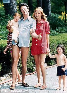 linda eastman   married US photographer Linda Eastman. They had four children, Linda ...