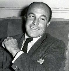 Gene Kelly without his toupee!