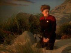 "Star Trek: Voyager ""The Cloud "" Great Love Stories, Love Story, Robert Beltran, Captain Janeway, Cast Images, Kate Mulgrew, Star Trek Series, Star Trek Voyager, Sci Fi Art"