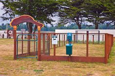 Dog run ideafake grass costco partition off yard and for Costco dog fence