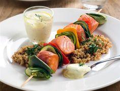 Salmon skewer with zucchini...looks so delicoius.   400g salmon, 2 smaller zucchini, olive oil, salt, pepper, lemon, garlic mayo