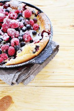 Topp with frozen raspberries before baking Raspberry, Frozen, Food And Drink, Sweets, Marzipan, Baking, Casseroles, Cake, Ethnic Recipes