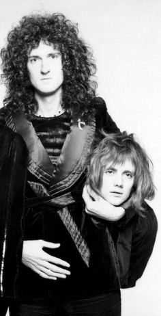 Brian May and Roger Taylor of Queen. Queen Brian May, I Am A Queen, Save The Queen, Queen Pictures, Queen Photos, John Deacon, Queen Banda, Bryan May, Brian Rogers