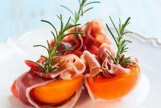 Gebackene Pfirsiche mit Prosciutto und Mascarponefüllung