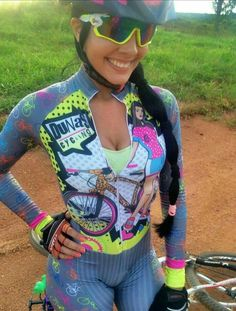 Danelly Braga - She cooks healthy cakes Bicycle Women, Road Bike Women, Bicycle Girl, Lady Biker, Biker Girl, Fitness Workouts, Cycling Girls, Cycle Chic, Sporty Girls