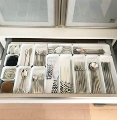 Media Kitchen Cabinet Drawers, Kitchen Cabinet Organization, Pantry Storage, Kitchen Storage, Muji Storage, Ikea Kitchen, Kitchen Decor, Organisation Hacks, Wardrobe Storage