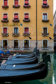 Gondola parking - Venezia Venice, Italy | Phil Marion | Flickr