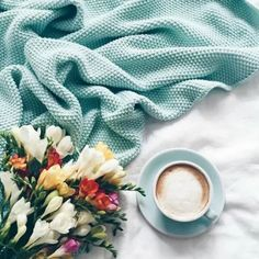 Beautiful coffee cup tones in with the blanket used in this flatlay. But First Coffee, I Love Coffee, Coffee Art, Coffee Break, Morning Coffee, Coffee Shop, Coffee Cups, Coffee Lovers, Drawing Coffee