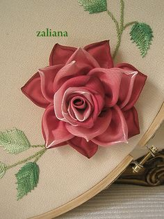 Wonderful Ribbon Embroidery Flowers by Hand Ideas. Enchanting Ribbon Embroidery Flowers by Hand Ideas. Ribbon Art, Ribbon Crafts, Flower Crafts, Ribbon Rose, Silk Ribbon Embroidery, Crewel Embroidery, Embroidery Designs, Brazilian Embroidery, Embroidery Techniques