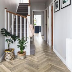 Create a sense of width in narrow hallways with Karndean& Knight Tile Lime Washed Oak Hallway Ideas Entrance Narrow, Entrance Hall Decor, Narrow Hallway Decorating, Modern Hallway, Tiled Hallway, 1930s Hallway, Modern Staircase, Stairs And Hallway Ideas, Small Entrance Halls