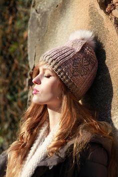 #women #fashion #hats #beanie #wool #handmade #style