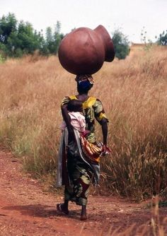 Give thanks to our Mothers! Mama Africa!
