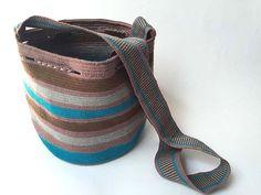 WAYUU BAG – Small-Sized Mochila. Handwoven by a woman from the Wayuu Tribe. www.colombiart.co