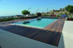 Deze fiberon horizon Ipe terrasplanken zijn ook ideaal om rondom uw zwembad te leggen. Zodat u lekker langs de kant van het water kunt genieten van het uitzicht.