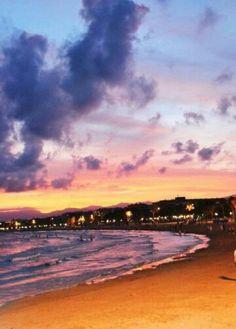 Atardecer en la playa de la Pineda Salou , Tarragona, Spain. Descubre nuestra oferta hotelera en www.ofertravel.es