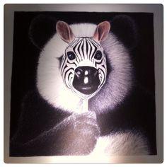Zours de la collection Bizarnimaux by Gil  Les animaux masqués  Création artistique au crayon, numérisée et imprimée sur toile #leprintempsdesdocks