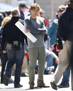 Jake Gyllenhaal plays Boston Marathon bombing survivor
