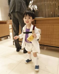 Cute Baby Boy, Cute Little Baby, Little Babies, Cute Boys, Cute Asian Babies, Korean Babies, Asian Kids, Couple With Baby, Cute Babies Photography