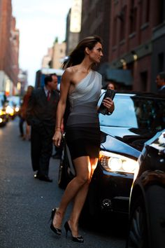 Zani Gugelman, Herve Leger, NYC, photographed by the Sartorialist. could this be more perfect?