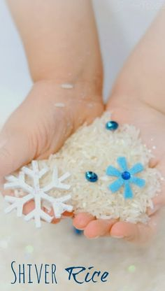 Delightfully cold SHIVER Rice from Growing a Jeweled Rose - this snow rice is such a fun way for kids to play in the snow this Winter! Sensory bottles idea for winter Winter Activities For Kids, Winter Crafts For Kids, Christmas Activities, Winter Fun, Winter Theme, Winter Christmas, Christmas Crafts, Winter Ideas, Preschool Winter