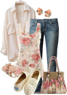 I love the floral tank top with the jeans#spring