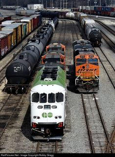 High quality photograph of GO Transit (Greater Toronto Transit Authority) MPI # GOT 667 at Joliet, Illinois, USA. Go Transit, Joliet Illinois, 3c, Train Travel, Model Trains, Ontario, Toronto, Canada, Author