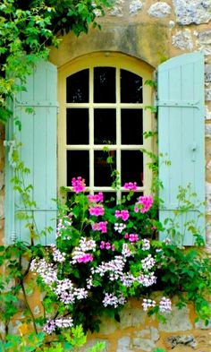 ~ window to the garden ~ Más