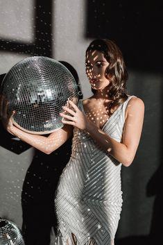 New Year Photoshoot, Glam Photoshoot, Disco Party, Disco Ball, Creative Photoshoot Ideas, Fashion Photography Inspiration, Nouvel An, Portrait Photography, Model